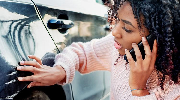 Portare la macchina in carrozzeria? Tre domande che dovresti farti.